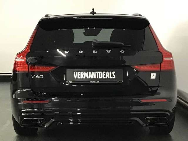 Volvo V60 T8 Polestar Engineered eAWD plug-in hybride 4/15