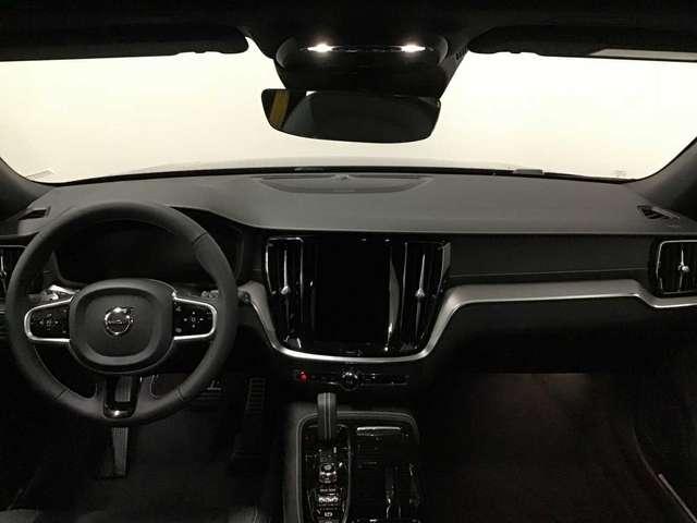 Volvo V60 T8 Polestar Engineered eAWD plug-in hybride 6/15