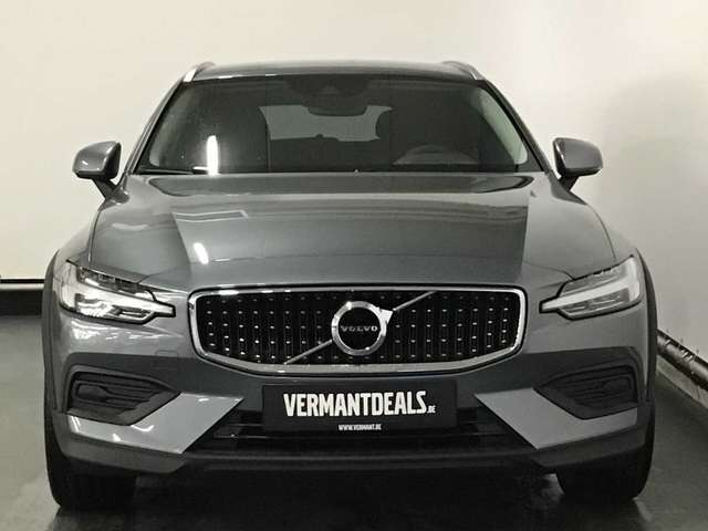 Volvo V60 CC Pro D3 AWD Geartronic 3/9