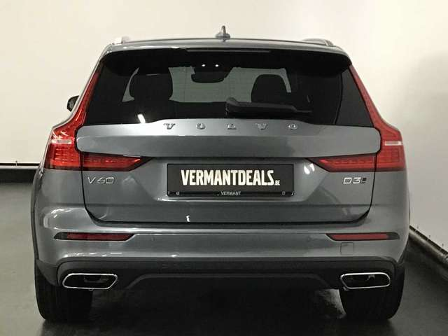 Volvo V60 CC Pro D3 AWD Geartronic 4/9