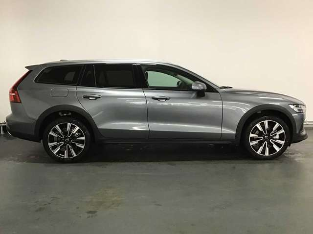 Volvo V60 CC Pro D3 AWD Geartronic 5/9