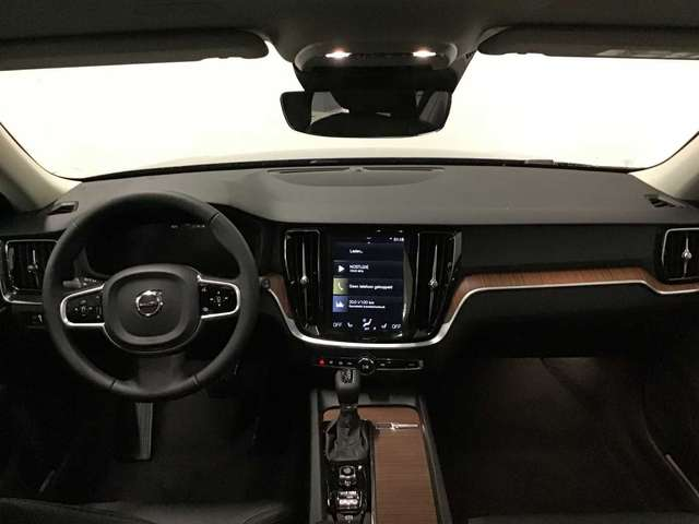 Volvo V60 CC Pro D3 AWD Geartronic 6/9