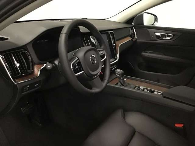 Volvo V60 CC Pro D3 AWD Geartronic 9/9