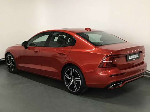 Volvo S60 R-Design T4 Geartronic 2/9