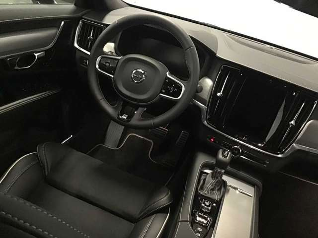 Volvo S90 R-Design D4 Geartronic 7/10