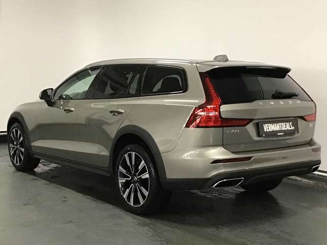 Volvo V60 Cross Country V60 Cross Country Pro D3 AWD Geartronic 2/10
