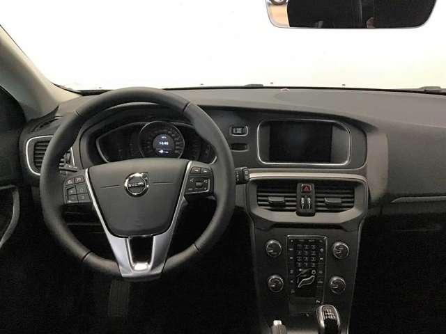Volvo V40 Black Edition D2 6/8