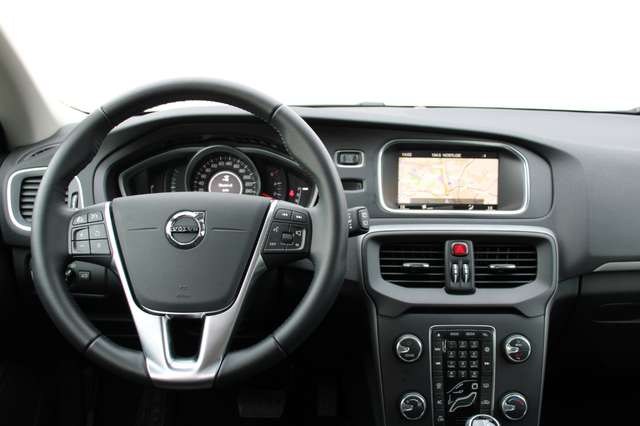 Volvo V40 2.0 D2 Black Edition Geartronic 3/3