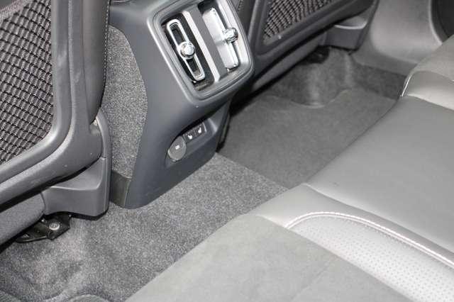 Volvo XC40 D4 AWD R-Design * SOLD * 6/15