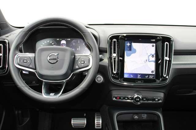 Volvo XC40 D4 AWD R-Design * SOLD * 7/15