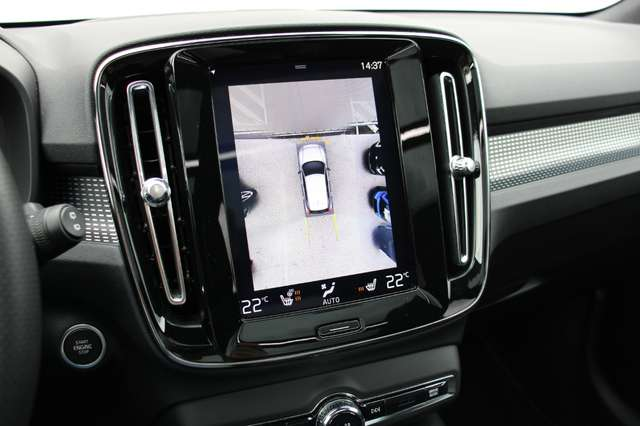 Volvo XC40 D4 AWD R-Design * SOLD * 13/15