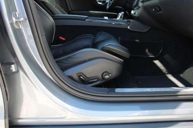 Volvo S90 T8 AWD R-Design * SOLD * 7/15