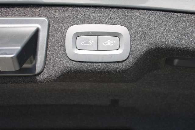 Volvo S90 T8 AWD R-Design * SOLD * 9/15