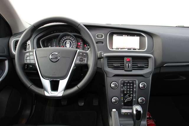 Volvo V40 2.0 T2 Black Edition 4/4