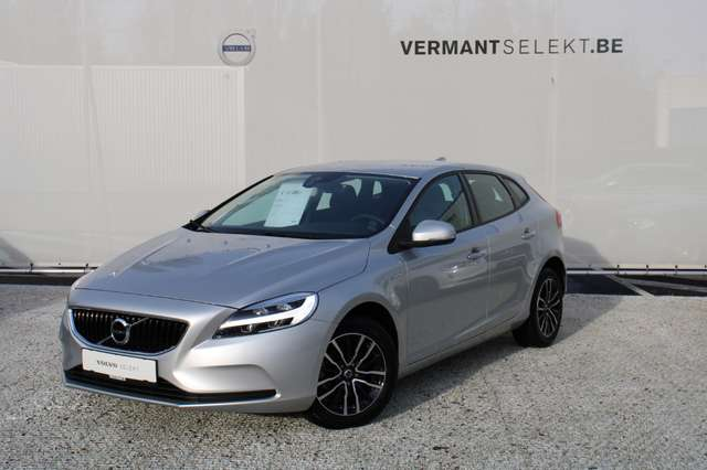 Volvo V40 2.0 T2 Black Edition 1/3