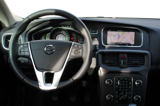 Volvo V40 2.0 T2 Black Edition 3/3