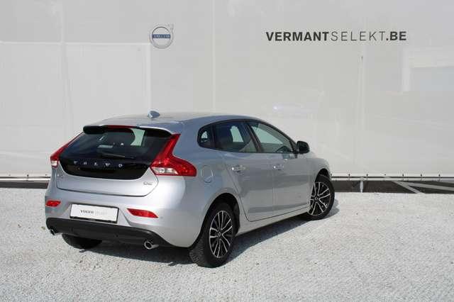 Volvo V40 2.0 D2 Black Edition 2/8