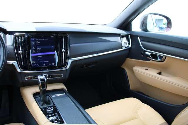 Volvo V90 2.0 D4 AWD Pro + PANO DAK !!! 5/15