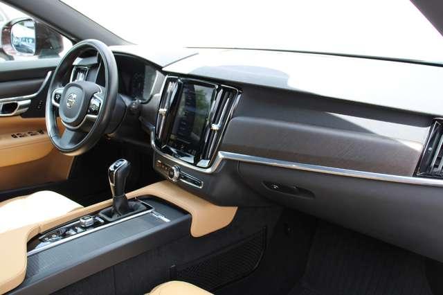 Volvo V90 2.0 D4 AWD Pro + PANO DAK !!! 7/15