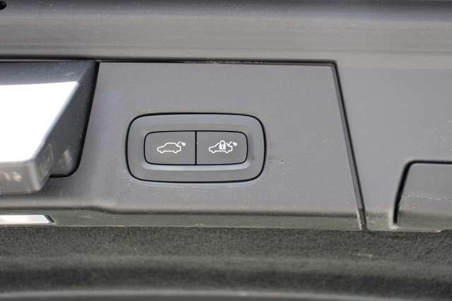 Volvo V90 2.0 D4 AWD Pro + PANO DAK !!! 8/15