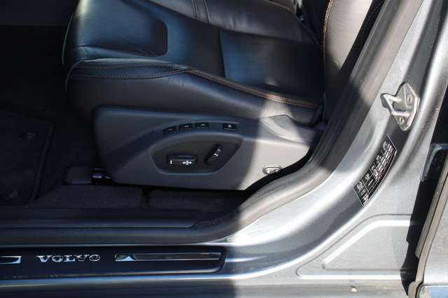 Volvo XC60 2.0 D3 Summum Automaat 4/11