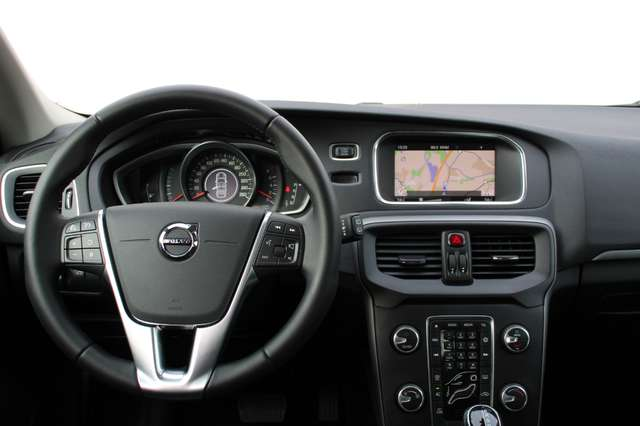 Volvo V40 2.0 T2 Black Edition 3/3