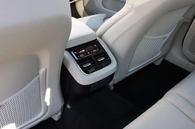 Volvo V60 2.0 T5 Inscription Automaat LUCHTVERING/PANO DAK.. 4/15