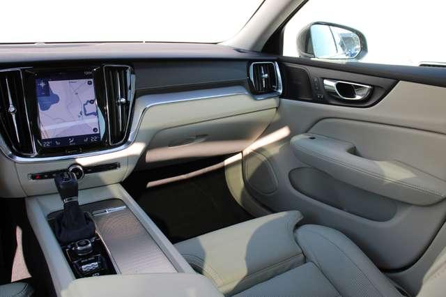 Volvo V60 2.0 T5 Inscription Automaat LUCHTVERING/PANO DAK.. 6/15