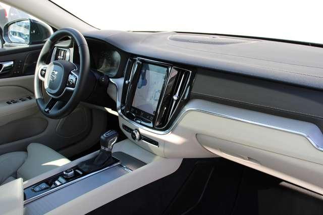 Volvo V60 2.0 T5 Inscription Automaat LUCHTVERING/PANO DAK.. 8/15