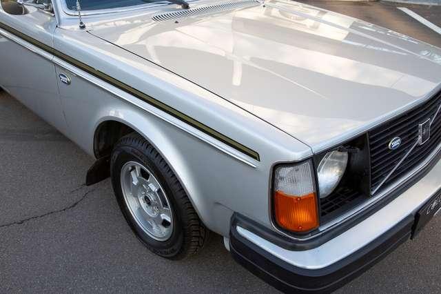 Volvo 244 DL - Anniversary Edition - Original condition! 7/15