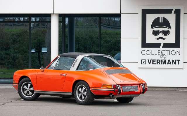 Porsche 911 T Targa - EU car - Nut and bolt restoration 3/15