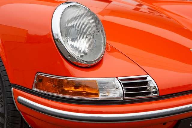 Porsche 911 T Targa - EU car - Nut and bolt restoration 6/15