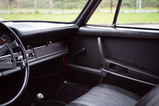 Porsche 911 T Targa - EU car - Nut and bolt restoration 12/15