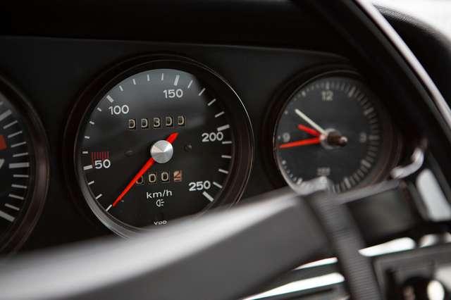 Porsche 911 T Targa - EU car - Nut and bolt restoration 13/15
