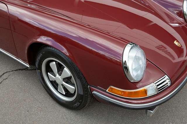 Porsche 911 S Targa - Restored condition - Books/tools! 8/15