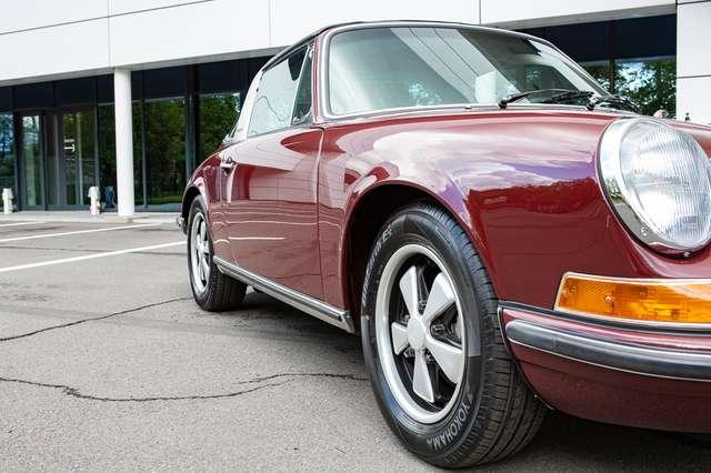 Porsche 911 S Targa - Restored condition - Books/tools! 9/15