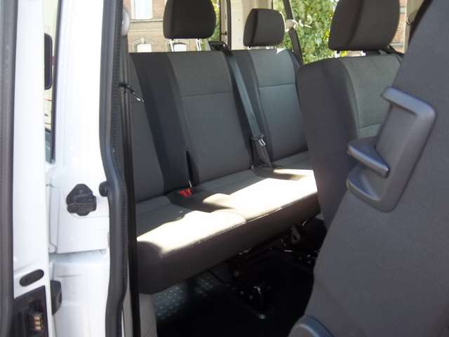 Volkswagen Transporter Kombi 8 Places 2.0TDi 102cv Minibus 21480€+TVA 9/15