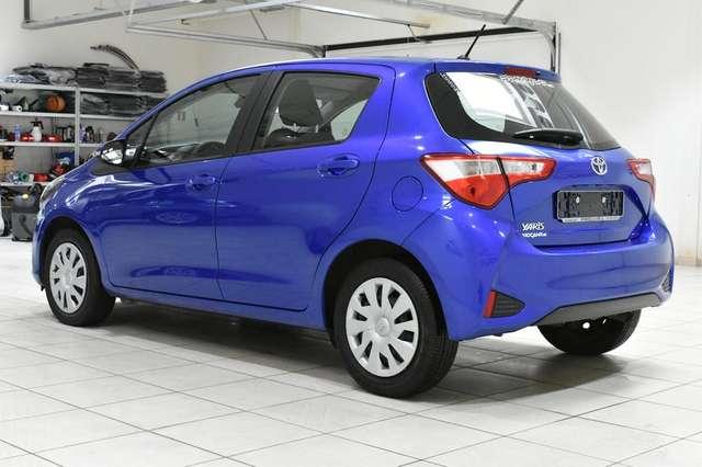 Toyota Yaris 1.5i CLIM * CAMERA * CRUISE * BLUETOOTH 4/15