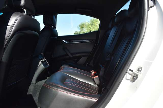 Maserati Ghibli 3.0 V6 AUTOMAAT / LEDER / NAVIGATIE / XENON 10/15