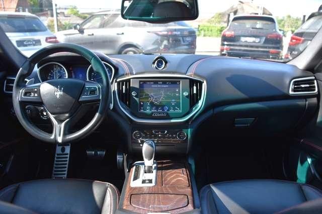 Maserati Ghibli 3.0 V6 AUTOMAAT / LEDER / NAVIGATIE / XENON 15/15