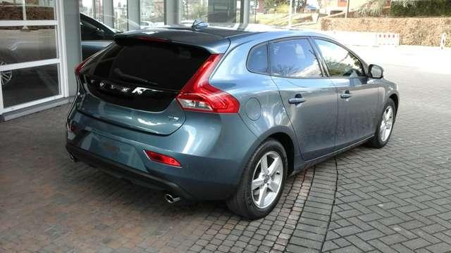Volvo V40 1.6 T3 Momentum 3/15