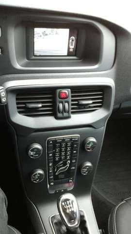 Volvo V40 1.6 T3 Momentum 12/15