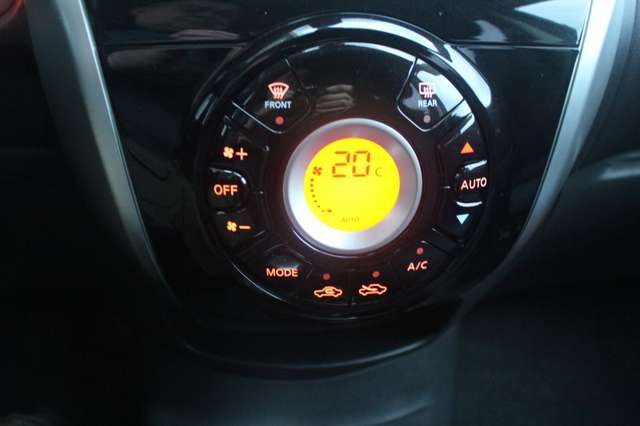 Nissan Note 1.2i Connect Edition slechts 27429 km 9/11
