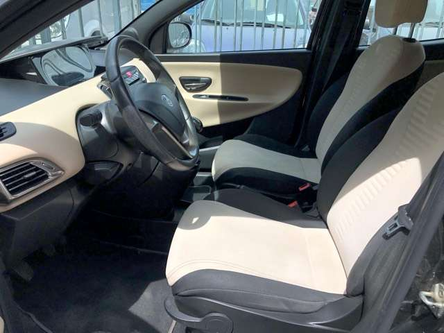 Lancia Ypsilon 1.2 Evo II Park In Style Jante Airco Carnet euro6 8/15