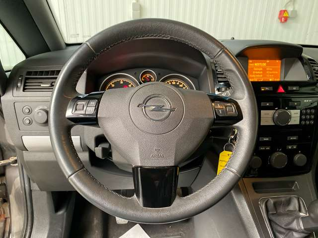 Opel Zafira 1.7 CDTi ecoFLEX Cosmo DPF 7pl. Half Leder, Airco 12/15