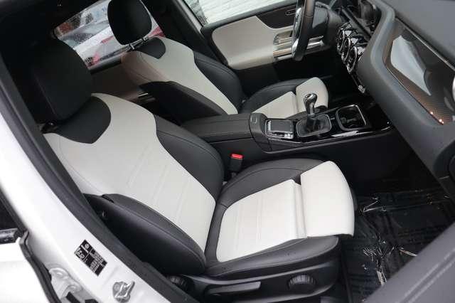 Mercedes B 180 1 ste eig /AMG styling/camera/GPS /leder/nightpack 8/15