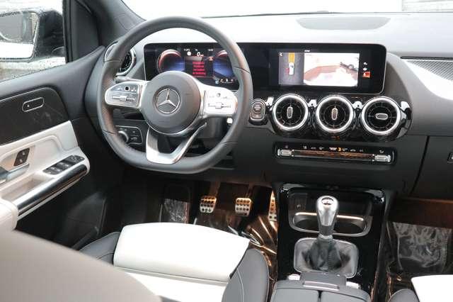Mercedes B 180 1 ste eig /AMG styling/camera/GPS /leder/nightpack 9/15