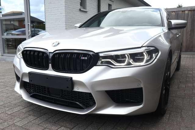 BMW M5 4.4 V8 /individual/ceramic brakes/carbonroof/full 5/15