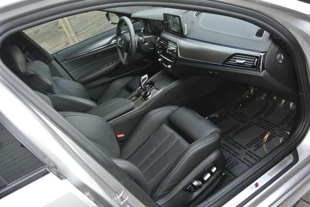 BMW M5 4.4 V8 /individual/ceramic brakes/carbonroof/full 11/15