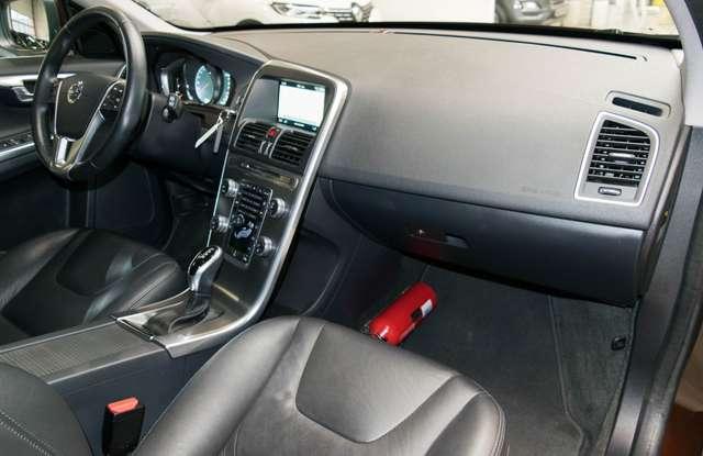 Volvo XC60 2.0 D3 Summum Automaat - NAVI / XENON / LEDER / CC 5/15